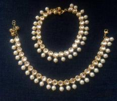 Looking to buy anklets at least cost? Visit Mirraw